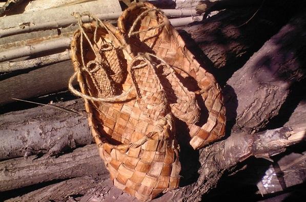 Старая обувь в культе предков